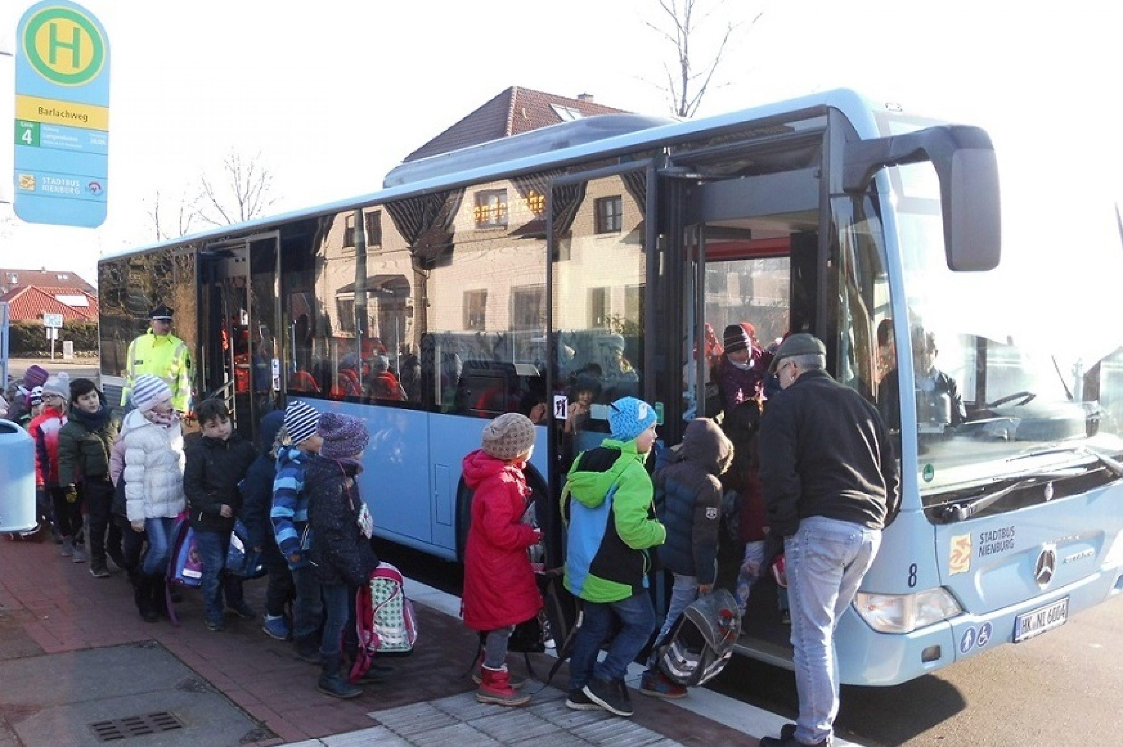 Busschule für Nienburger Grundschulklassen