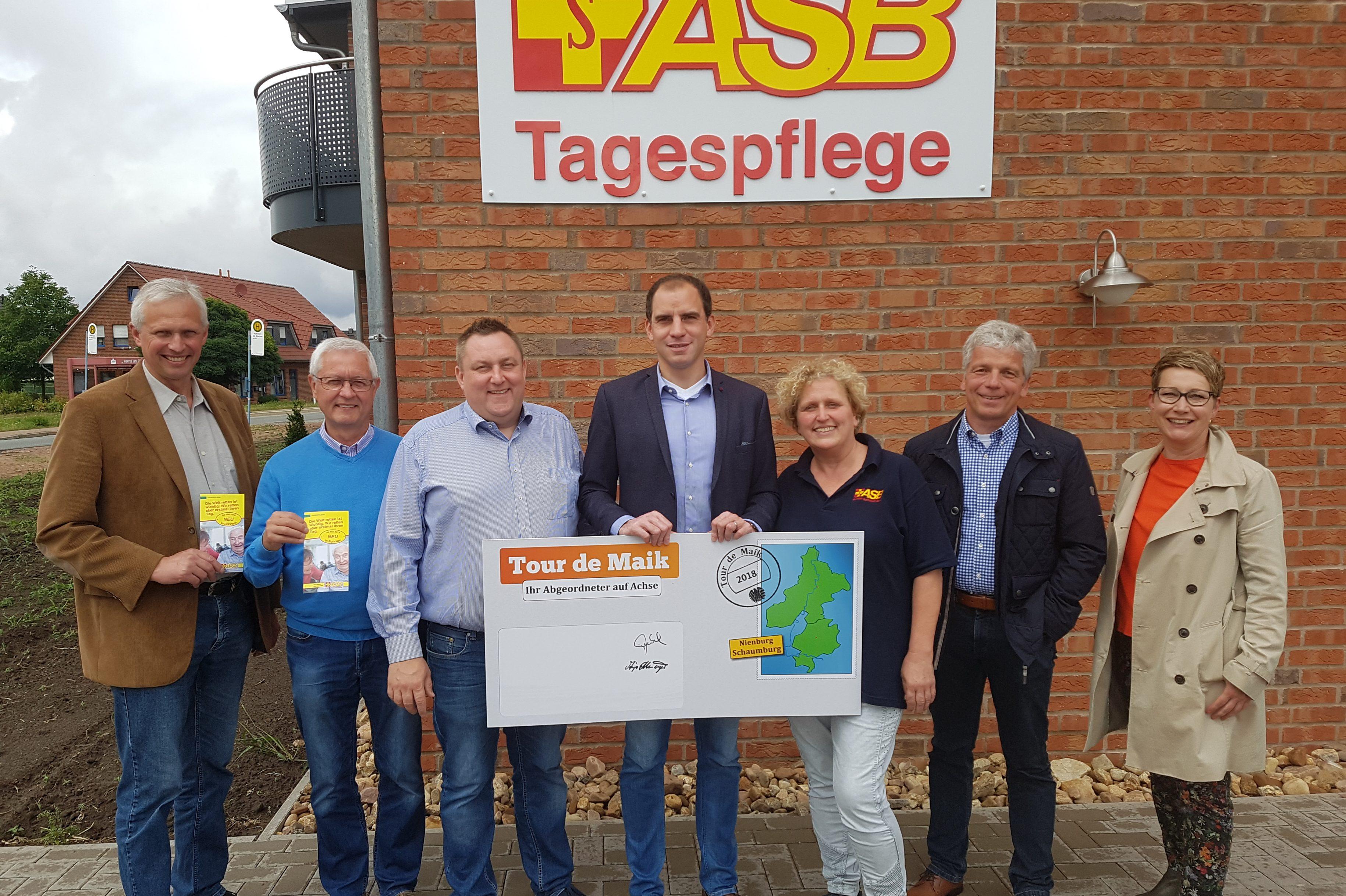 """Beermann startet vierte Auflage seiner """"Tour de Maik"""" – Auftakt bei der Tagespflege des ASB in Rohrsen."""