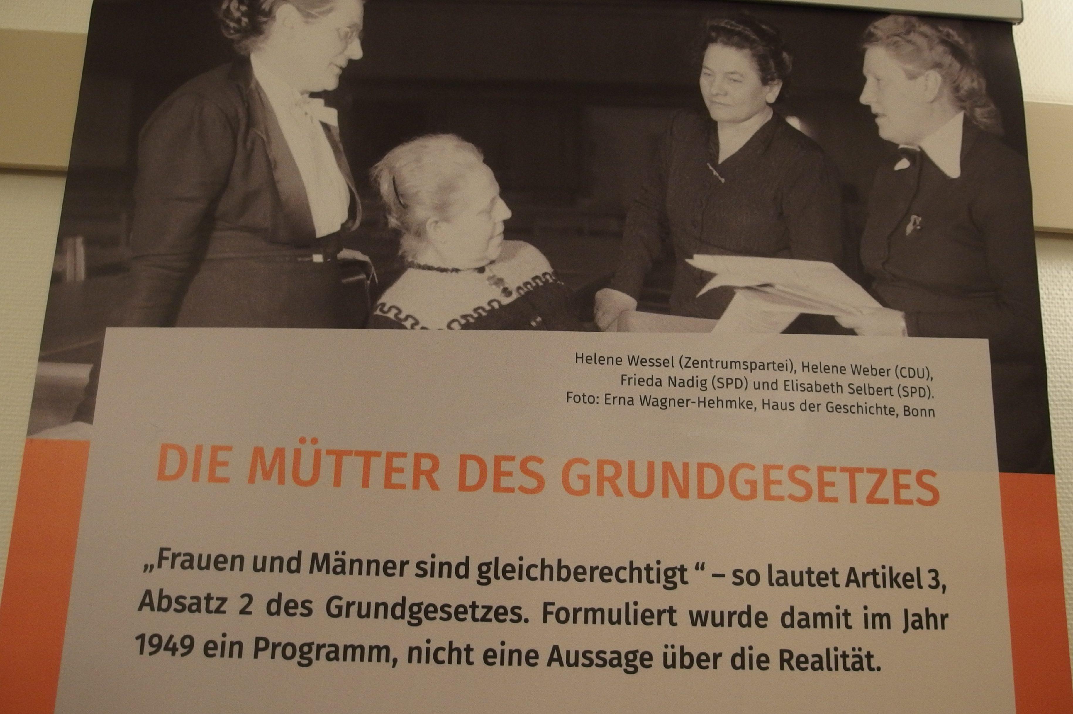 """Wanderausstellung """"Die Mütter des Grundgesetzes"""""""