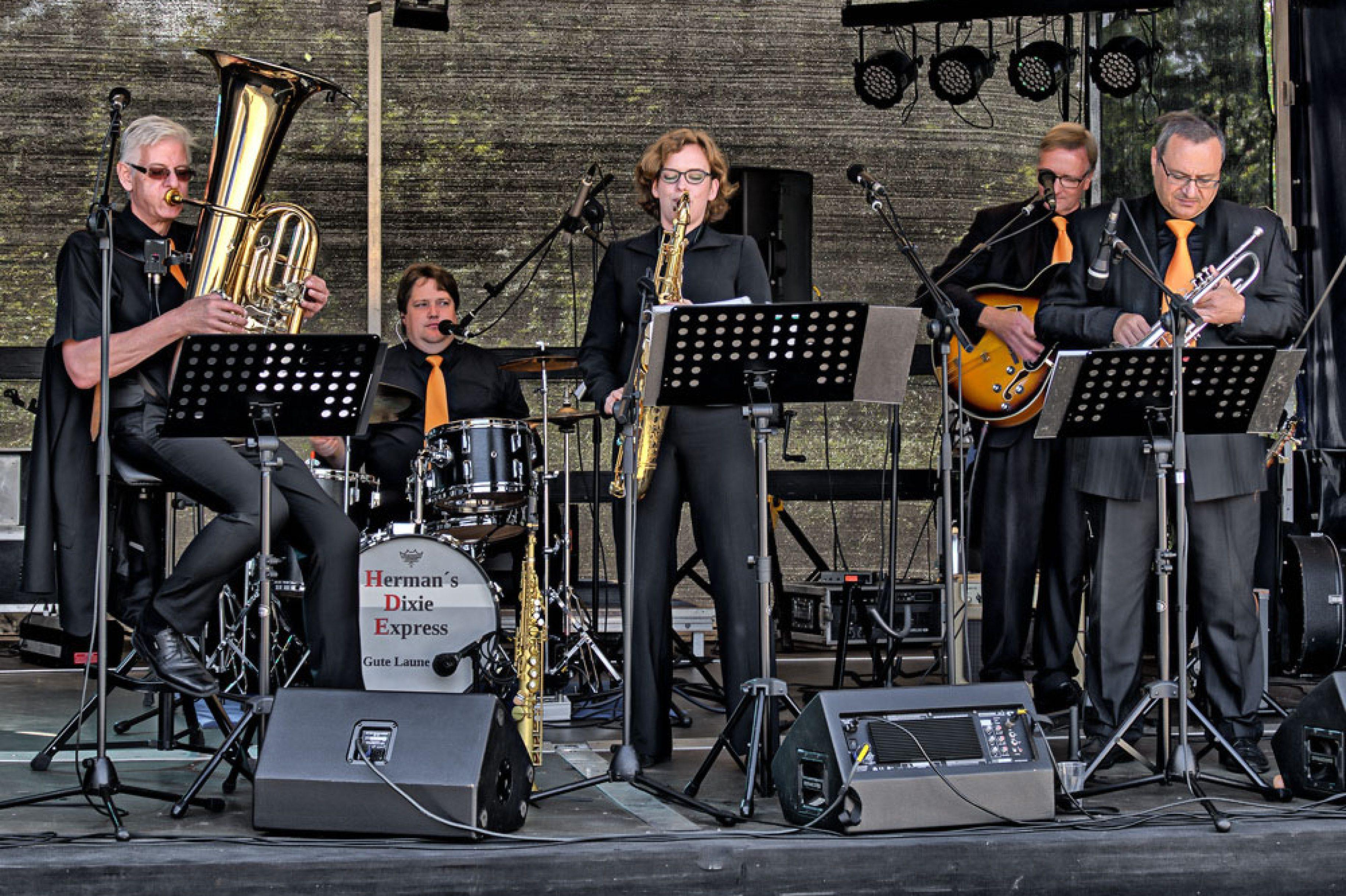 30er Jahre Sound live im Jazz Club