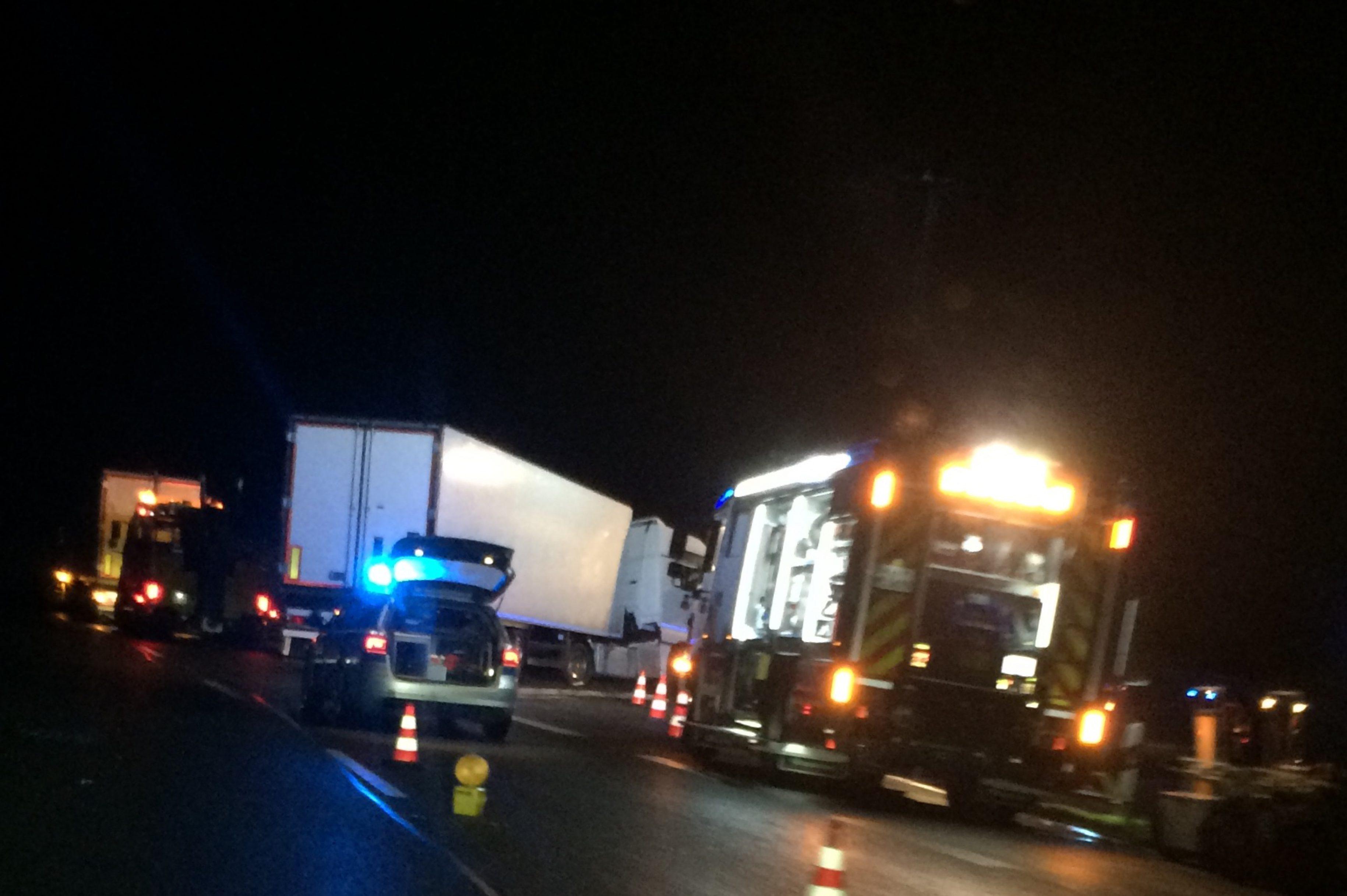 Vollsperrung: B6 – LKW Verkehrsunfall Hannover Richtung Nienburg